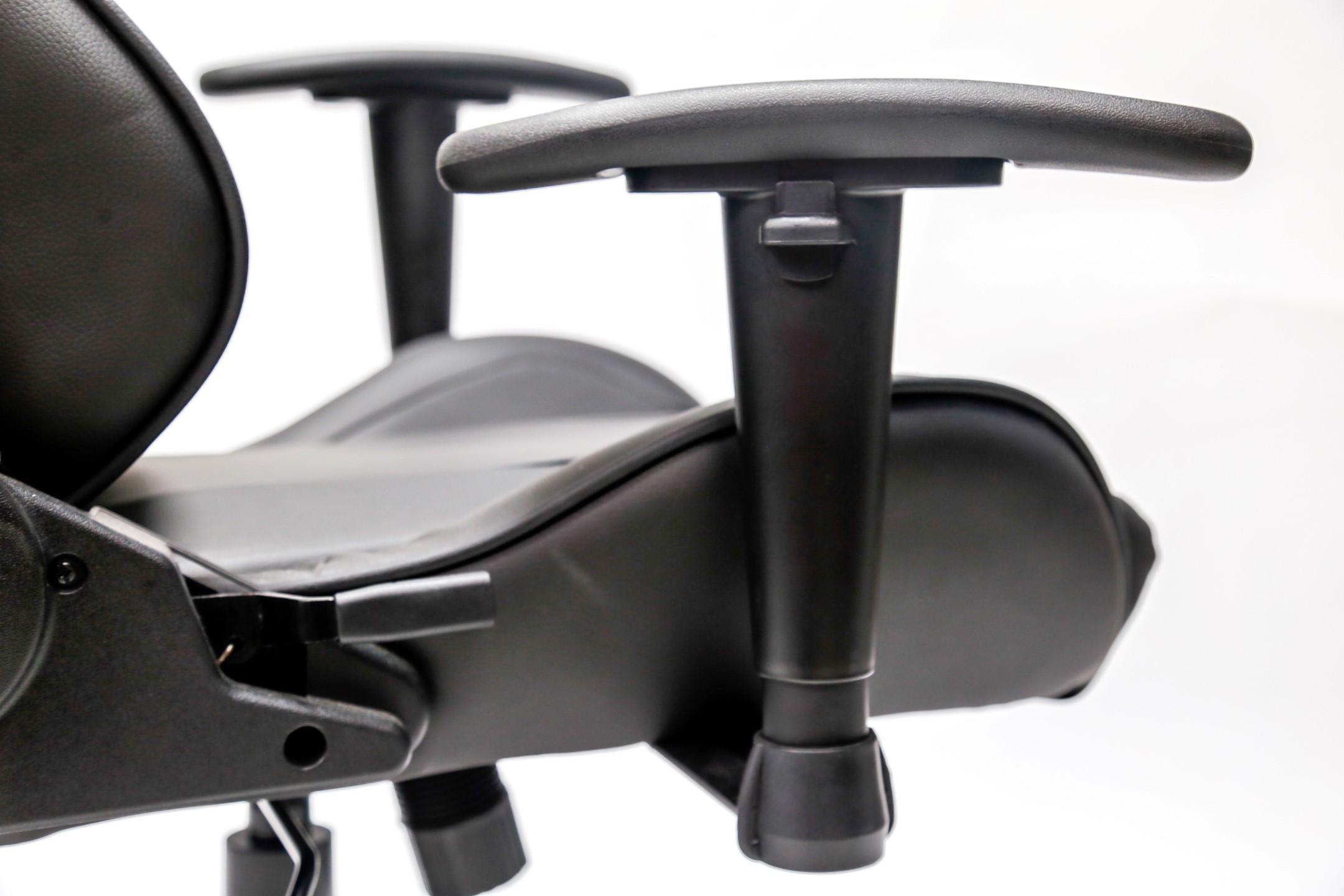 Ghế Gaming E-dra Mars EGC202 Black trang bị đệm tay tiện lợi