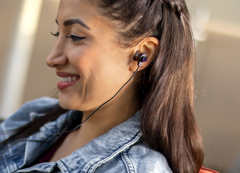 Tai nghe Cooler Master MH710 Gaming Earbuds tương thích với các thiết bị chơi game cầm tay
