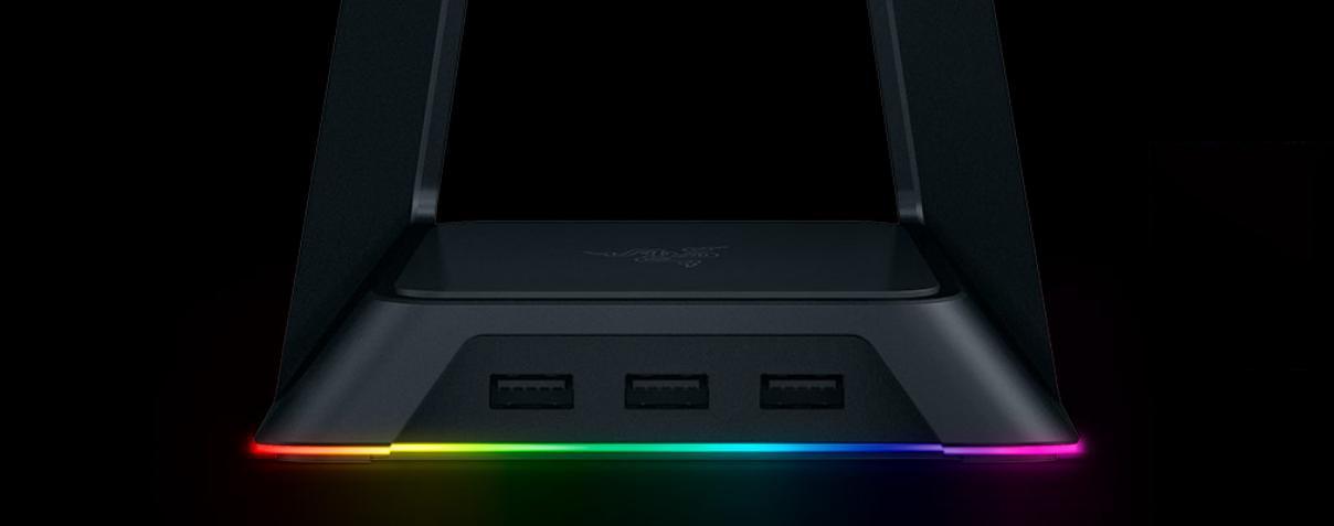 Giá treo tai nghe Razer Base Station Chroma Chroma Enabled Headset Stand with USB Hub - Quartz - FRML Packaging (RC21-01190200-R3M1  tích hợp thêm cổng usb tiện lợi