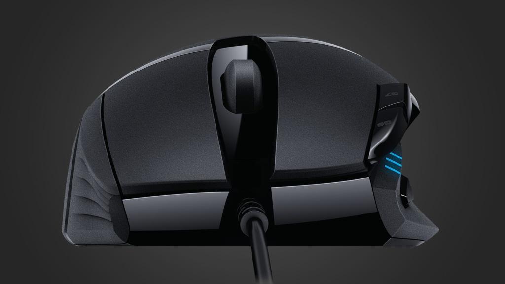 Chuột chơi game Logitech G402 có thiết kế cầm nắm thoải mái