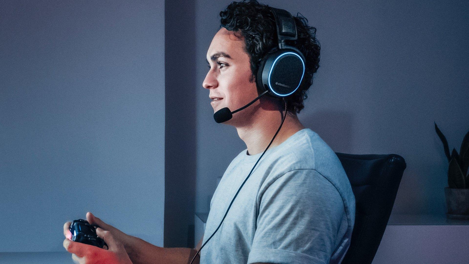 Tai nghe SteelSeries Arctis Pro+GameDAC 61453 trang bị micro cao cấp