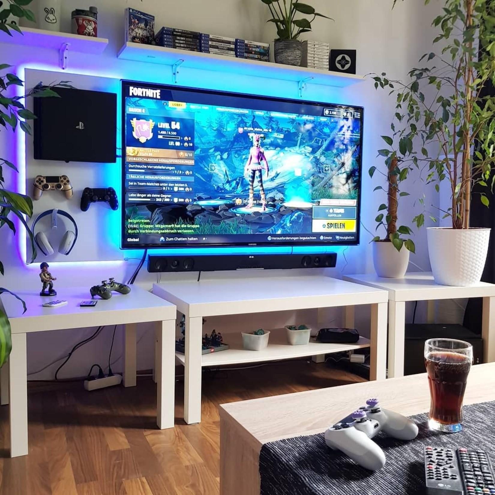 Giải trí đa phương tiện với Máy chơi game Playstation PS4 Pro 1TB SONY CUH-7218B OM