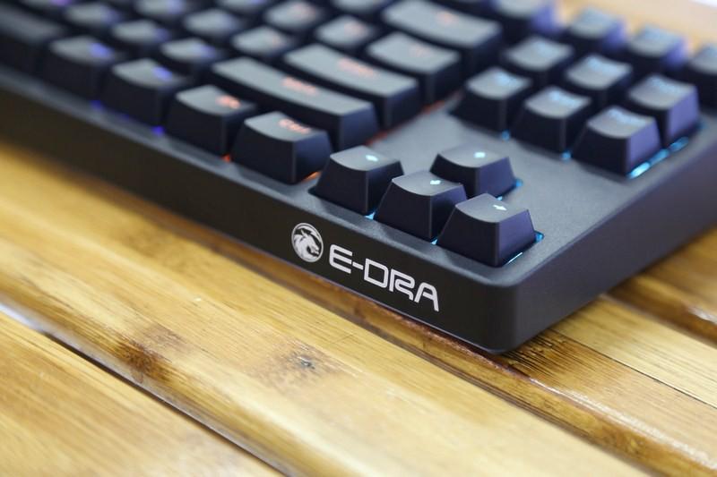 Bàn phím cơ E-Dra EK387 Mechanical Gaming Outemu Blue switch led RGB có chất lượng gia công tốt