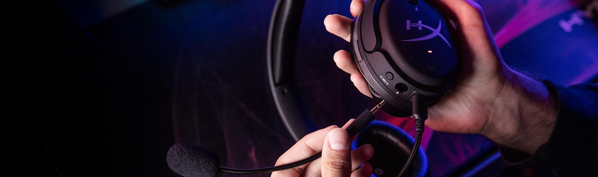 Tai nghe Kingston HyperX Cloud Orbit S Gaming Black (HX-HSCOS-GM/WW) trang bị micro với tính năng lọc tạp âm tốt