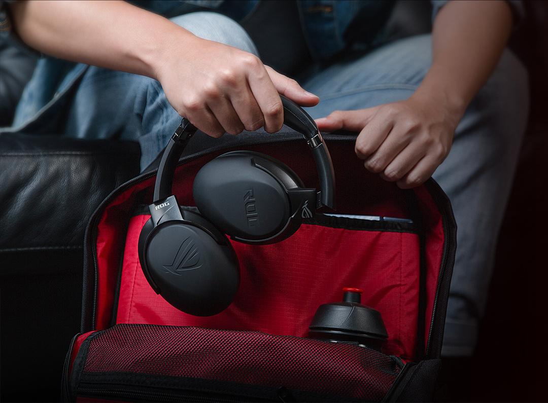 Tai nghe không dây Asus ROG STRIX GO 2.4 có trọng lượng nhẹ và đeo thoải mái