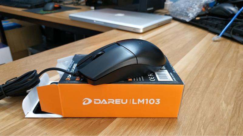 Chuột chơi game Dareu LM103 Black (USB/Đen)  có kết nối đơn giản
