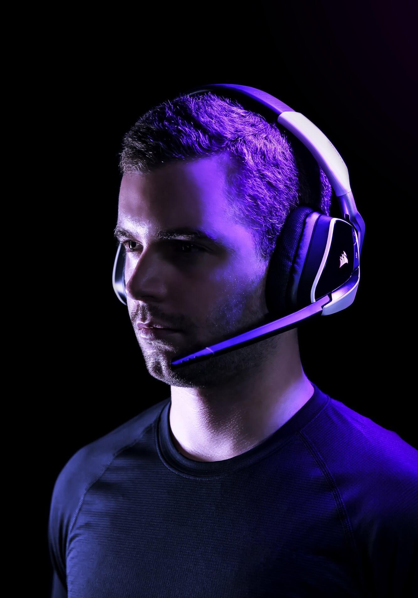 Tai nghe chơi game Corsair VOID RGB ELITE USB 7.1 Carbon - CA-9011203-AP có thiết kế đeo thoải mái
