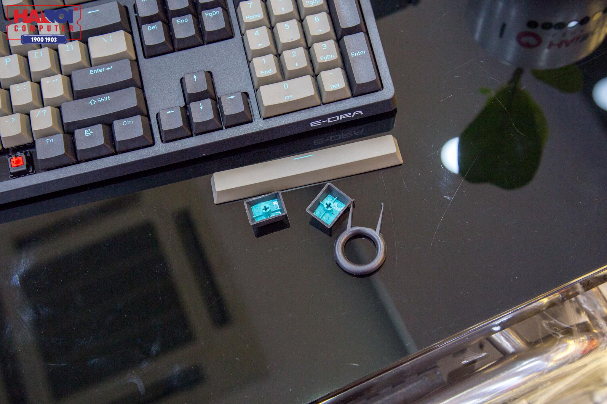 Bàn phím cơ E-Dra EK3104 Pro (Cherry Blue switch/PBT/USB/Đen)  sử dụng switch CHerry MX cao cấp
