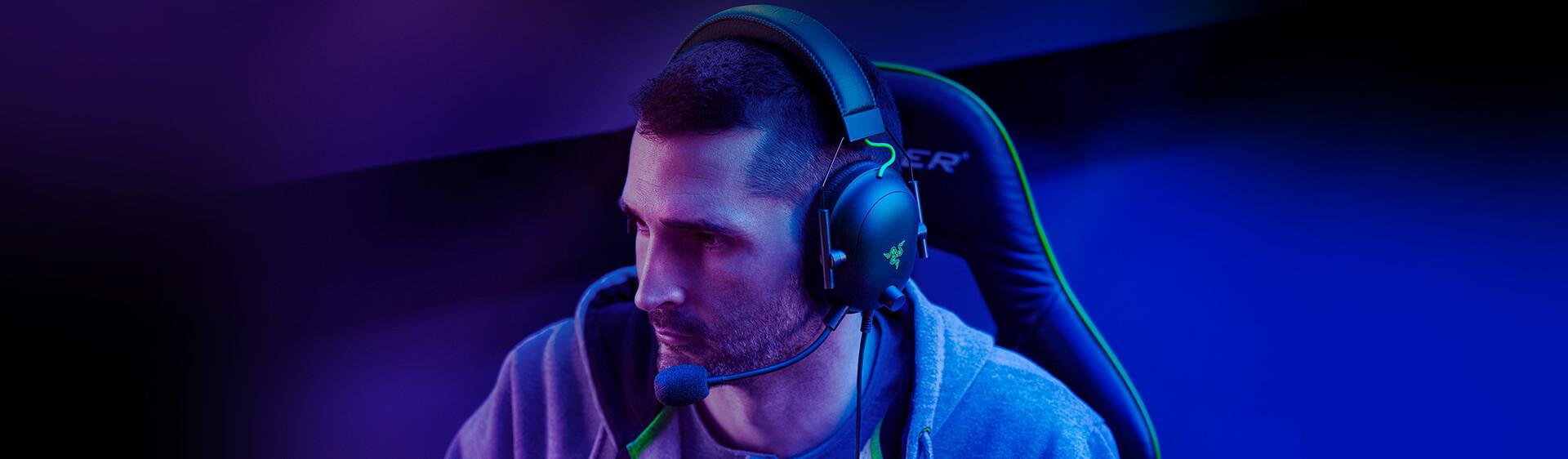 Tai nghe Razer BlackShark V2 - Wired Gaming Headset + USB Sound Card - RZ04-03230100-R3M1 có khả năng cách âm cực tốt