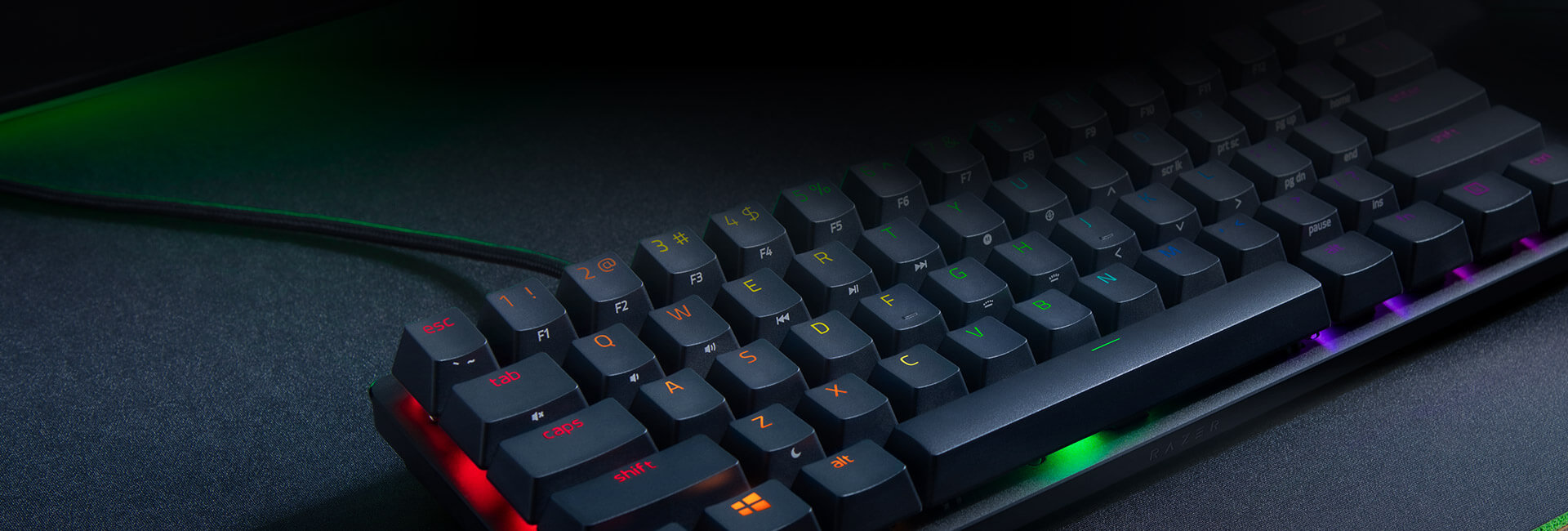 Bàn phím cơ Razer Huntsman Mini Mercury ( Linear Red optical switch) (RZ03-03390400-R3M1) trang bị keycap pbt doubleshot cực bền và cho cảm giác gõ tốt