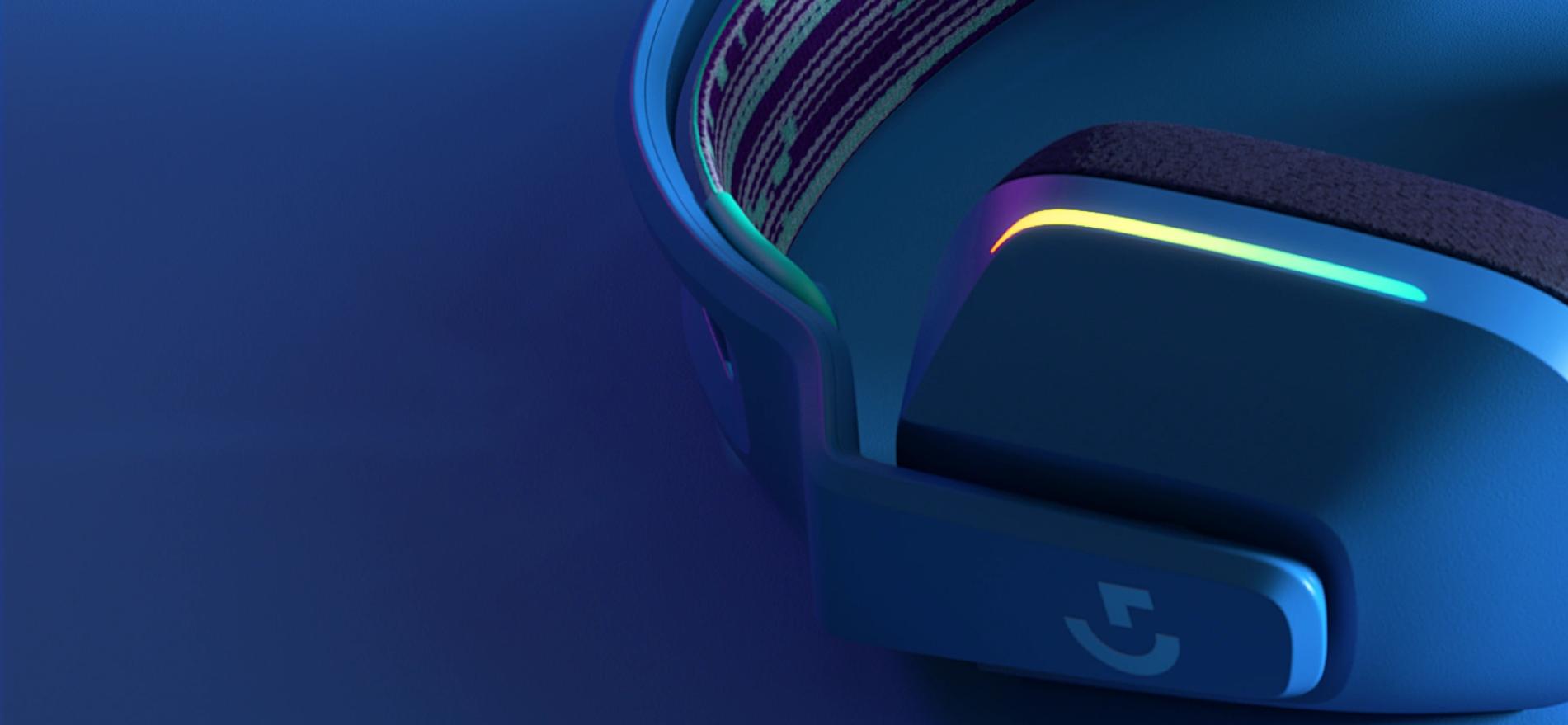 Tai nghe Gaming Logitech LIGHTSPEED G733 Wireless 7.1 RGB  trang bị hệ thống led rgb 16.8 triệu màu