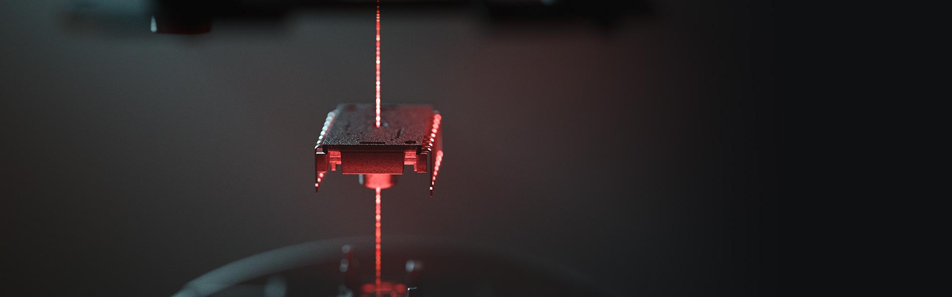 Chuột không dây Razer Naga Pro Wireless (USB/RGB) (RZ01-03420100-R3A1) trang bị mắt cảm biến Focus+ cao cấp