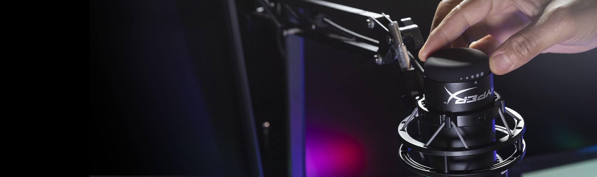Microphone Kingston HyperX QuadCast S RGB - HMIQ1S-XX-RG/G có thể điều chỉnh độ nhạy dễ dàng