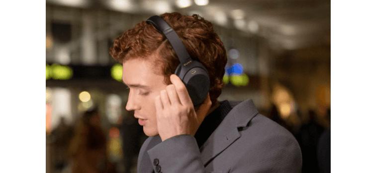Tai nghe không dây chống ồn Sony WH-1000XM4BME màu Đen có thể sử dụng được với trợ lý giọng nói