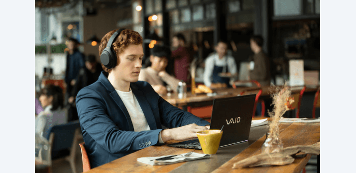 Tai nghe không dây chống ồn Sony WH-1000XM4BME màu Đen có thể kết nối cùng lúc 2 thiết bị
