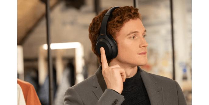 Tai nghe không dây chống ồn Sony WH-1000XM4BME màu Đen dễ dàng thao tác