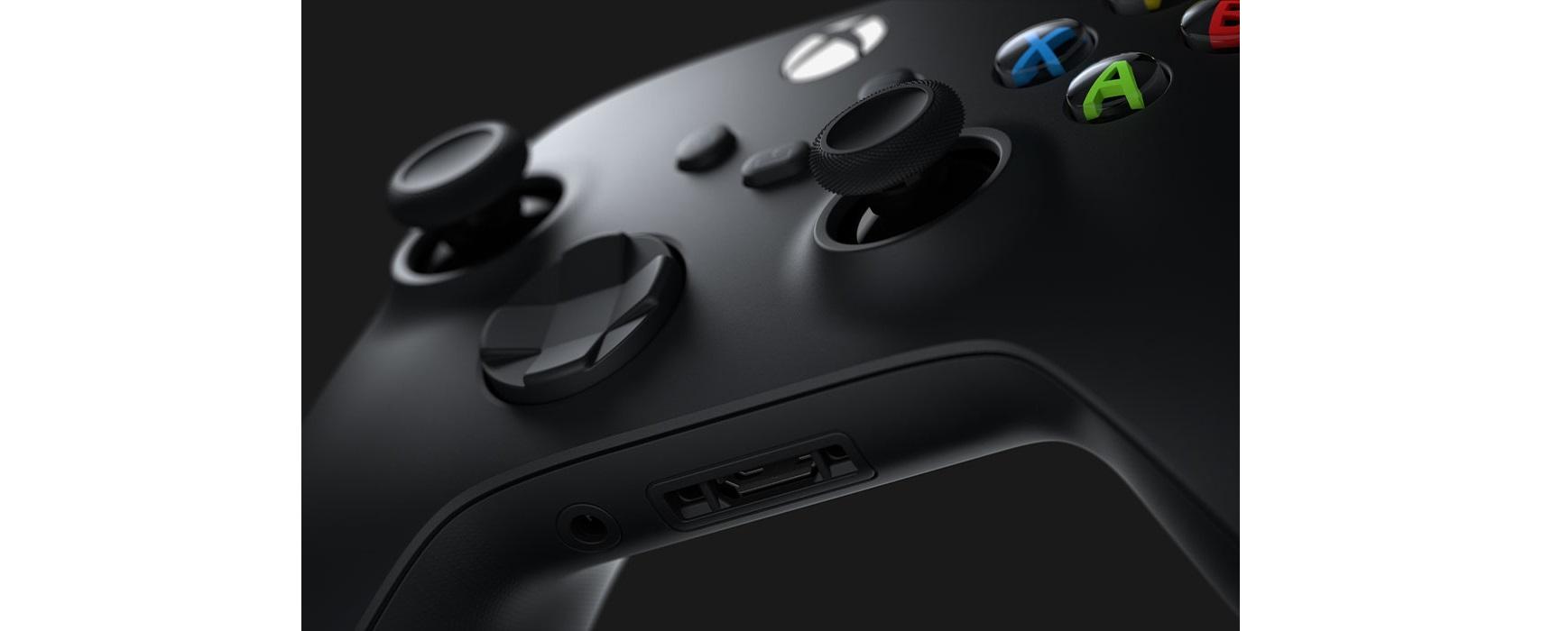 Tay cầm chơi game Xbox Series X Controller - Shock Blue tương thích với nhiều thiết bị, có thể cắm tai nghe 3.5mm trực tiếp trên tay cầm