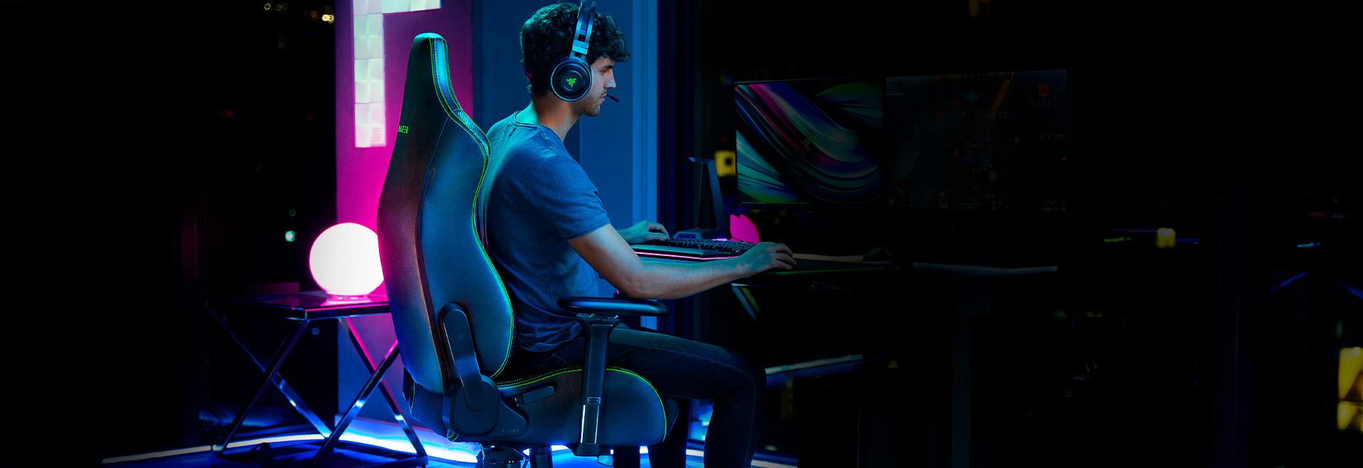 Ghế game Razer Iskur Gaming Chair w/ Lumbar Support  trang bị lớp đệm ngồi mật độ cao