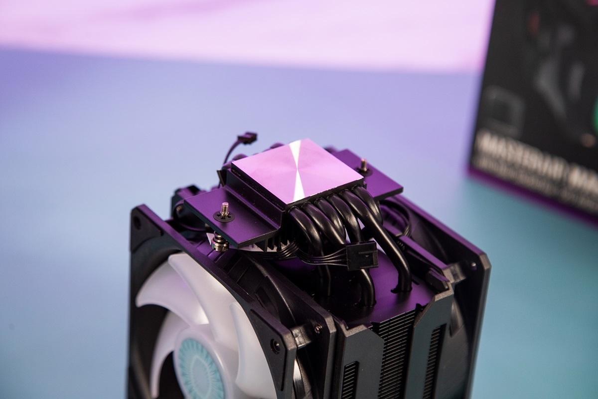 Bề mặt tiếp xúc với CPU của Tản nhiệt khí Cooler Master MasterAir MA612 Stealth ARGB