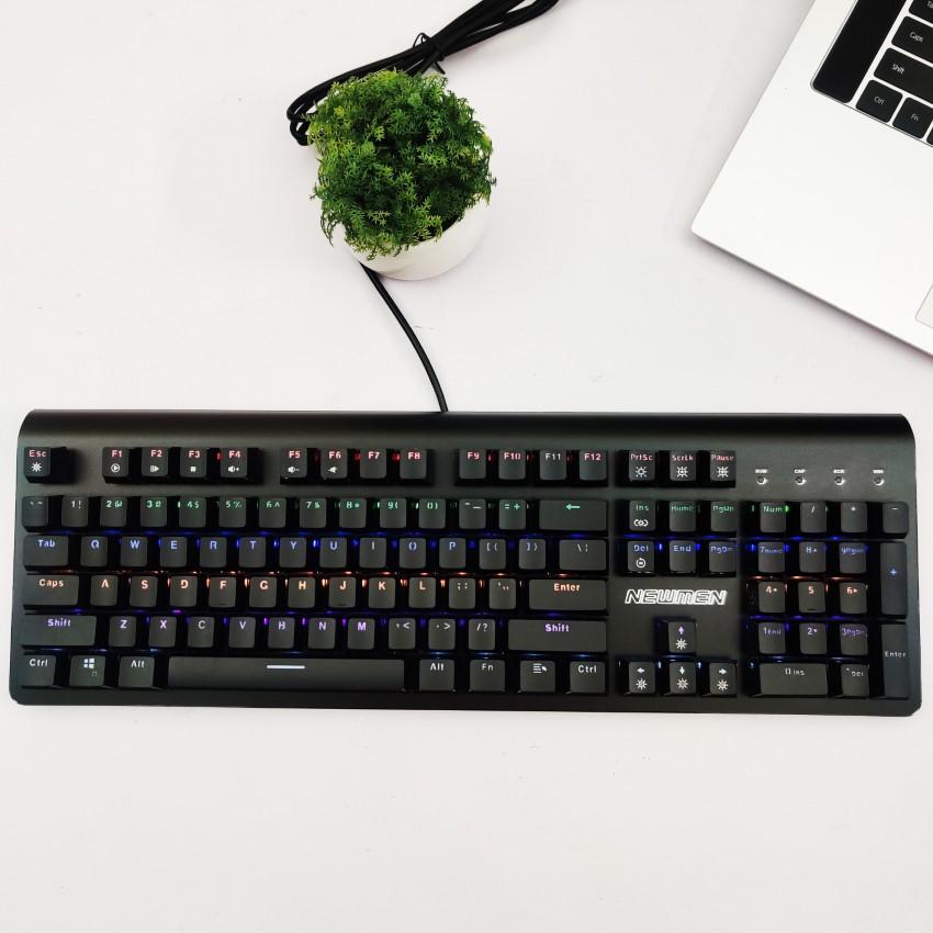 Bề mặt bàn phím Newmen GM390 là lớp hợp kim nhôm chắc chắn và bền