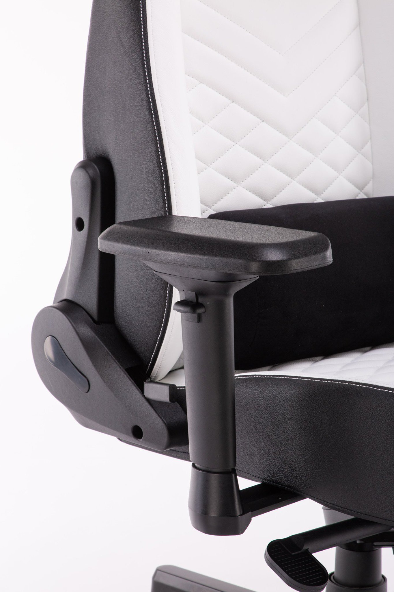 Ghế chơi game Bigboss EGC2021 Lux màu trắng - E-Dra  trang bị tay ghế 4D